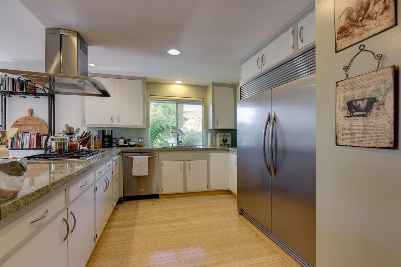 Home for sale 3238 e villa knolls dr pasadena for Dining room near front door